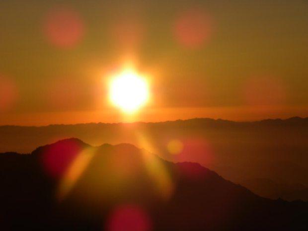 lever de soleil au Mont Moïse, Massif du Sinaï, ©Photo Guylène Briez