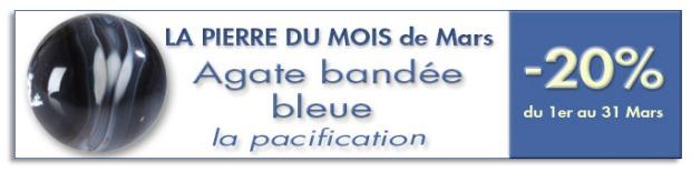 La pierre du mois de Mars : l'agate bandée bleue sur www.cristaux-sante.com