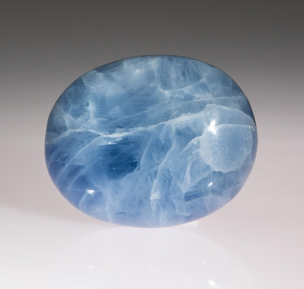 Calcite bleue, pierre du mois Juin 2015, photo Serge Briez®Capmediations2015