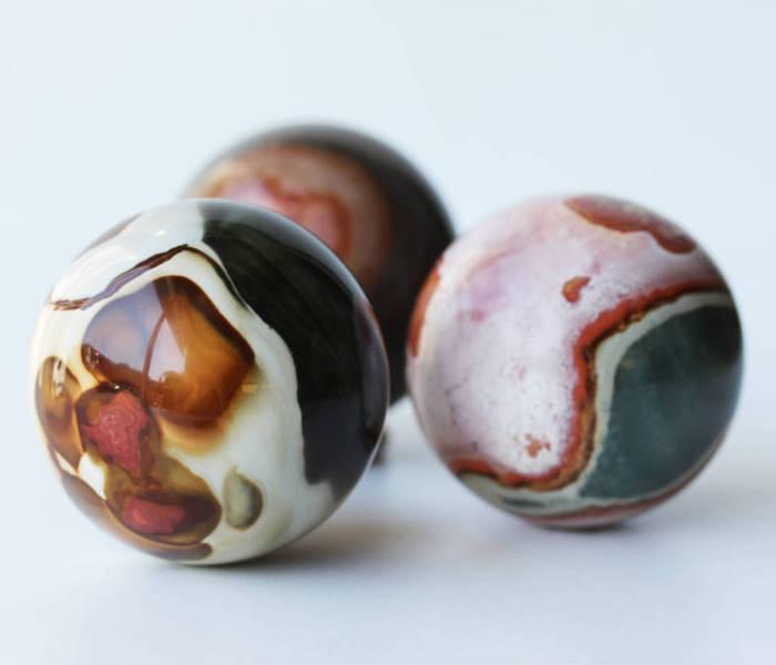 Boules de JASPE IMPÉRIAL, photo ®Cristaux et Santé, 2015
