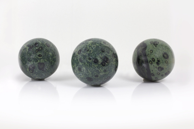 Boules de Jaspe Stromatolite, photo ®Cristaux et Santé, 2017