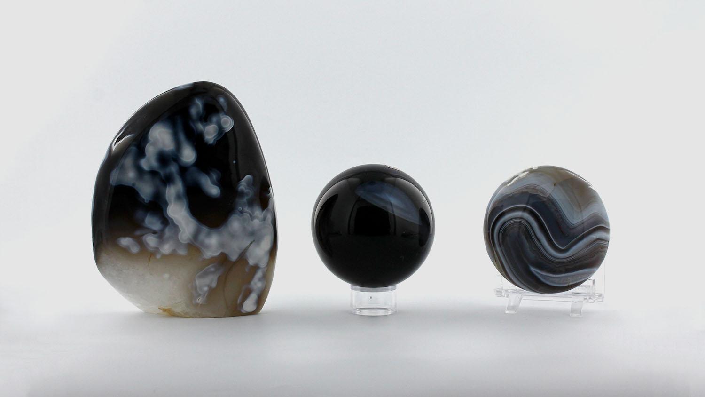 Formes variées d'Agate Bleue, photo ®Cristaux et Santé, 2017
