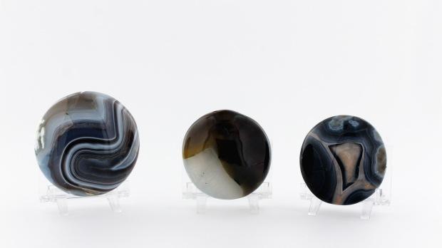 Galets calibrés d'Agate Bleue, photo ®Cristaux et Santé, 2017