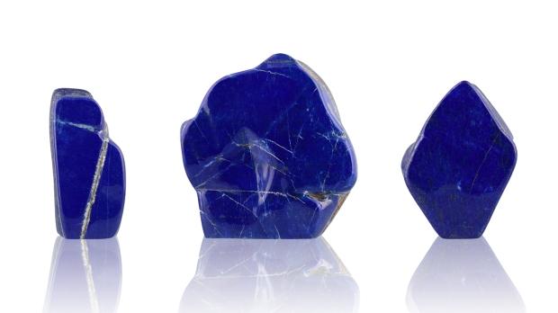 Formes Libres de Lapis-Lazuli, photo ®Cristaux et Bien-Être, 2018