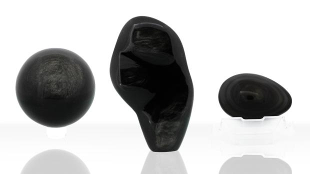 Formes variées d'Obsidienne noire, photo ®Cristaux et Bien-Être, 2018