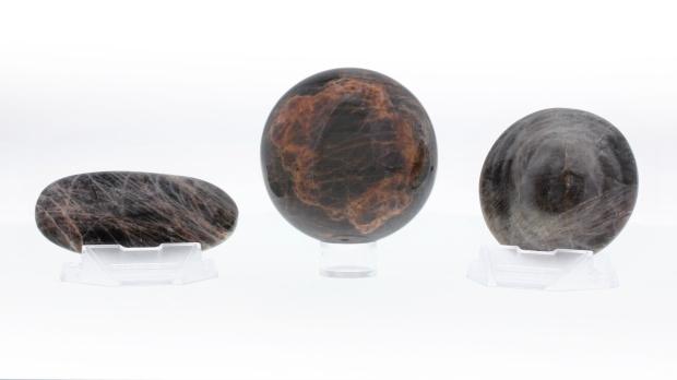 pierre-de-lune-noire
